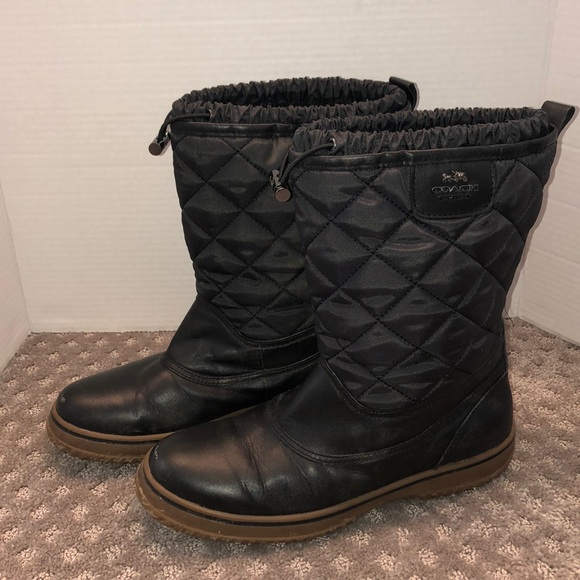 Outstanding Coach snow boots 9.5